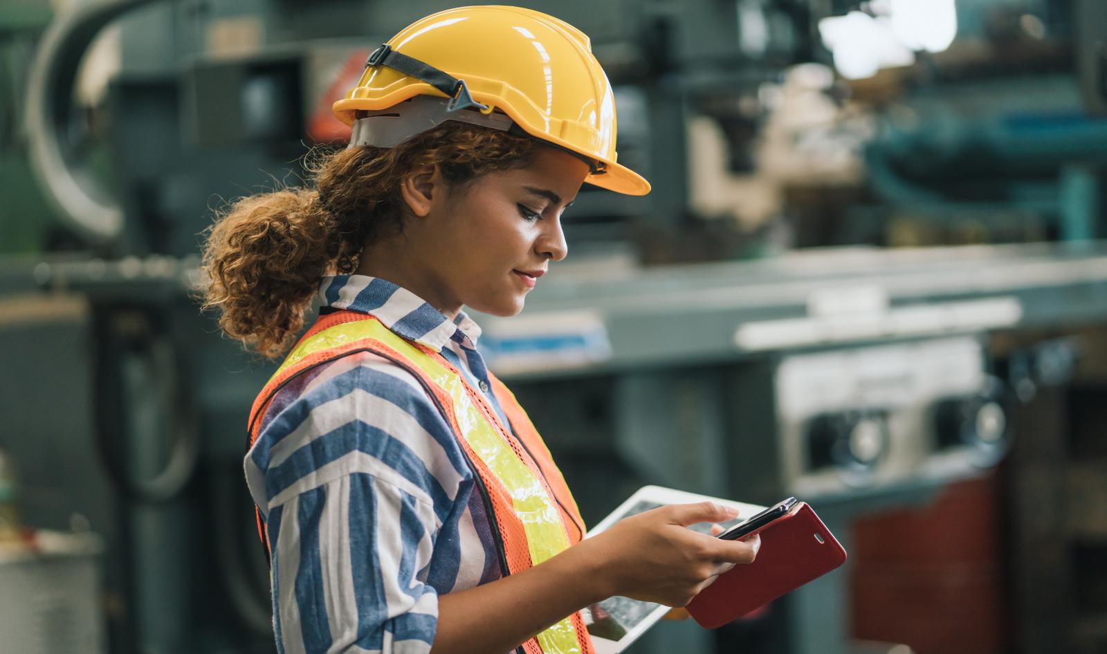 1600 X945 female warehouse worker